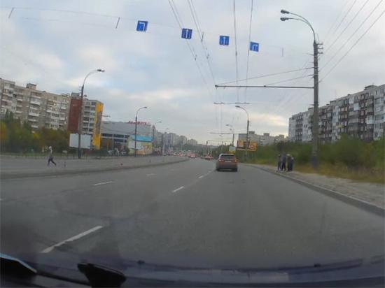 В Мурманске дети на дорогах общего пользования играют в опасные игры