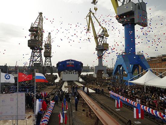 Атомный ледокол «Сибирь» спустили на воду