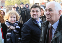 Леонид Рошаль приехал в Подмосковье, чтобы открыть первый из 48 ФАПов
